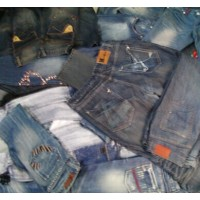 Wholesale second-hand jeans, a lot of