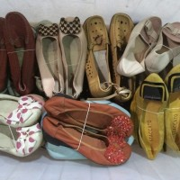 sorted grade A quality ladies shoes