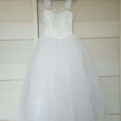 Nice used wedding dress